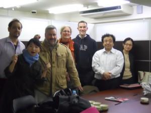 会議終了後に組合員と弁護団で記念撮影